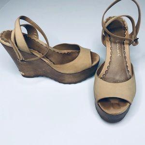 Juicy Couture Beige Wood Platform Sandals 7